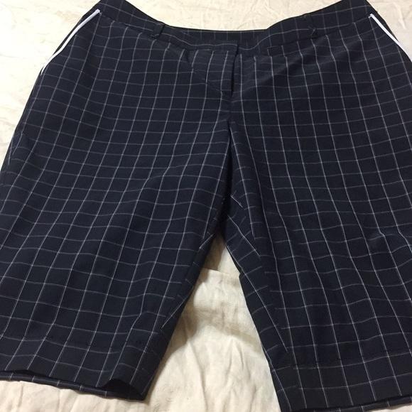 Annika Pants - Annika woman's sz 4 golf shorts nwot